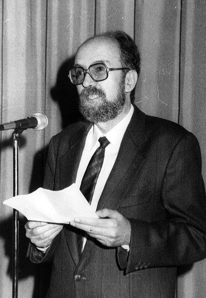 J.M. Vidal a la presentació del tom Economia (1991)